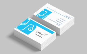 عوامل تاثیرگذار در متن کارت ویزیت هنگام طراحی کارت ویزیت برای پزشکان حتماً در نظر گرفته شود که روزها و ساعات حضور پزشک در مطب،تخصص پزشک، آدرس دقیق، شمارههای تماس، آدرس سایت و اگر امکان نوبت دهی آنلاین برای بیماران موجود است، لینک نوبت دهی آنلاین در کارت ویزیت درج شود تا بیماران در صورت نیاز بتوانند نوبت خود را از طریق راههای ارتباطی برای مراجعه به پزشک دریافت کنند.
