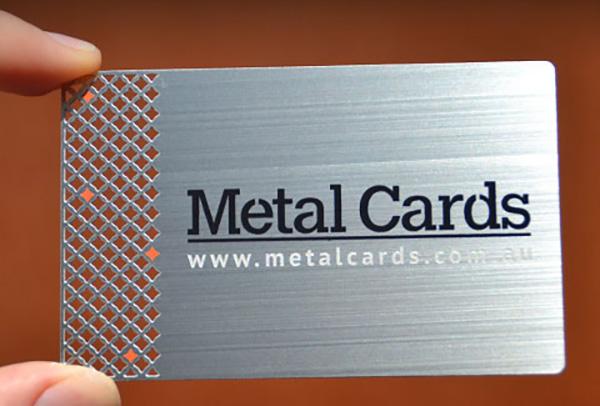 نمونه کارت ویزیت از جنس فلز